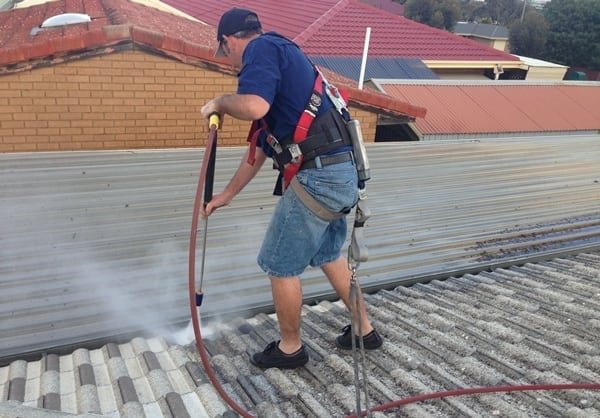 2 pressure-clean-roof-sml